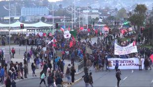 Desabastecimiento y cortes de caminos marcaron cuarto día de protestas en Chiloé