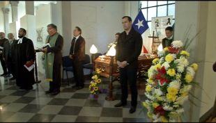 Familiares y amigos despiden a Eduardo Lara, guardia fallecido en incendio en Valparaíso