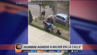 [VIDEO] Captan a hombre agrediendo a una mujer por auto mal estacionado