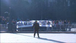 [VIDEO] Estudiantes se manifiestan en La Moneda en la antesala del paro nacional