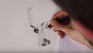 [VIDEO] Artista utiliza más de un millón de puntos para crear este increíble retrato