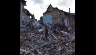 [VIDEO] Así quedó la ciudad de Amatrice tras el terremoto que golpeó a Italia