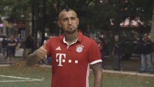 [VIDEO] Arturo Vidal y estrellas del Bayern reclutan futbolistas para partido callejero