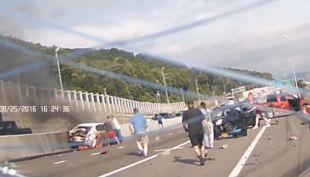 Dashcam graba colisión múltiple en Binghampton, en Nueva York.