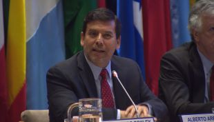 Alberto Arenas reapareció en lanzamiento de su libro