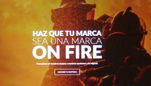 Polémica por bomberos con publicidad