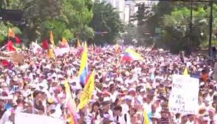 T13 en Venezuela: masivas marchas contra Nicolás Maduro