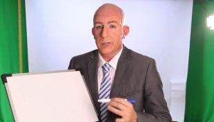 Stefan Kramer como Rafael Garay