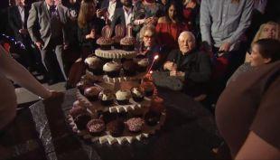 [VIDEO] Así celebró Kirk Douglas sus 100 años