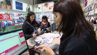 [VIDEO] Argentinos vuelven a repletar comercio chileno en fin de semana largo