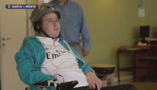 [VIDEO] Chileno emprendedor crea sistema de control mental de silla de ruedas