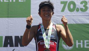 [VIDEO] Lo logra de nuevo: Bárbara Riveros gana por tercera vez consecutiva el Ironman de Pucón