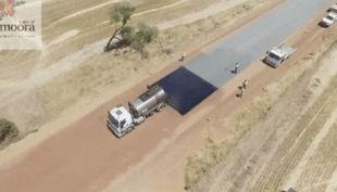 El eficiente asfaltado de una carretera en Australia se vuelve viral