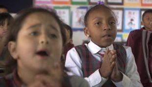 [VIDEO] Gobierno regularizará situación de escolares inmigrantes en colegios del país