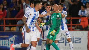 [VIDEO] Pachuca rescata empate en el último minuto con gol de legendario arquero
