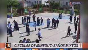 [VIDEO] Mineduc emite circular en que insta a colegios a contar con baños mixtos