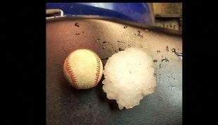[VIDEO] Granizos del porte de una pelota de béisbol sorprenden en Missouri, Estados Unidos