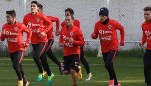 """[VIDEO] """"La Roja"""" se completará en Europa de cara a la Copa Confederaciones"""