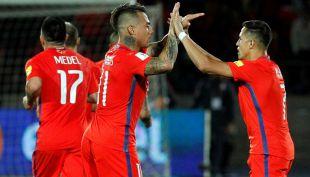 """[VIDEO] Vargas felicita a histórico Alexis: """"Se lo merece, es un gran jugador y nos ayuda mucho"""""""
