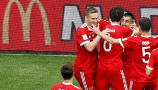[VIDEO] Con este remate bajo, Rusia abrió la cuenta ante México en Copa Confederaciones