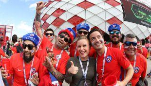 [VIDEO] Adiós a Moscú: Hinchas viajan a Kazán para acompañar a La Roja en Copa Confederaciones
