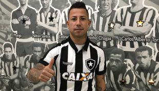 Leonardo Valencia es oficialmente nuevo jugador de Botafogo