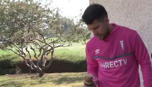 [VIDEO] Jugadores de la UC muestran su talento con juegos típicos chilenos
