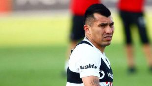 [VIDEO] El Pitbull ladra desde la partida: Gary Medel titular e ídolo en Besiktas