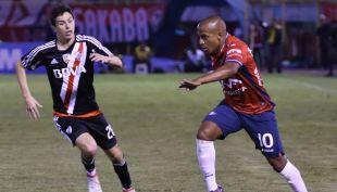 [VIDEO] Polémica llave copera: Wilstermann del Araña Olivares y River Plate sacan chispas