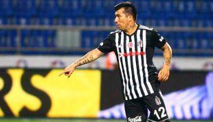 """[VIDEO] El """"Sultán"""" Medel: Gary está feliz con su presente en Besiktas"""