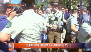 Tumultuosa salida de Sebastián Piñera