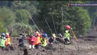 [VIDEO] Sigue la busqueda de sobrevivientes tras el aluvión en Villa Santa Lucía