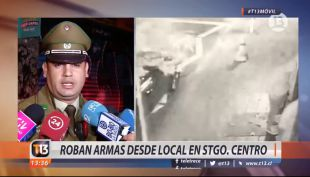[VIDEO] Delincuentes roban armas cerca de La Moneda
