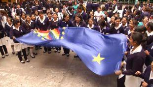 [VIDEO] La Marea Azul se toma las calles de Bolivia exigiendo una salida soberana al pacífico