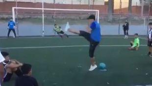 [VIDEO] Avísenle a Alexis que así se patean los penales
