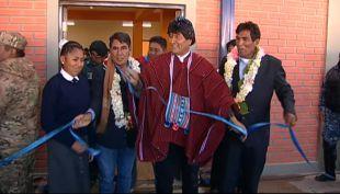 [VIDEO] Evo Morales vuelve a referirse a la demanda marítima en la inauguración de una escuela