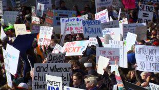 [VIDEO] Histórica marcha contra las armas remece las calles de Estados Unidos