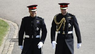 [VIDEO] La elegante llegada de los príncipe Harry y William