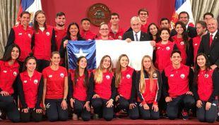 [VIDEO] Presidente despide a los chilenos que competirán en Cochabamba 2018