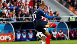 [VIDEO] Kylian Mbappé quebró el cerrojo peruano y le dio la ventaja a Francia