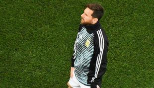 [VIDEO] El tierno gesto de Lionel Messi con un niño antes de ingresar a la cancha