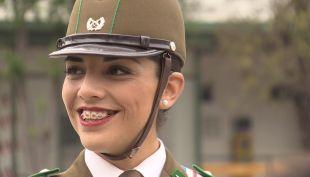 [VIDEO] Kamilla Vega: La historia de la primera tambor mayor de Carabineros
