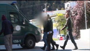 [VIDEO] Jóvenes ingieren vidrio molido en Sename