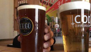 [VIDEO] Esta es la forma correcta de servir una cerveza (y así puedes detectar una en mal estado)