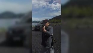 [VIDEO] Agricultor amenaza con armas a mapuche