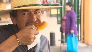 [VIDEO] Sopaipilla: La reina de la comida callejera