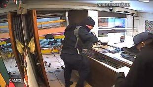 [VIDEO] Violento robo armado a joyería