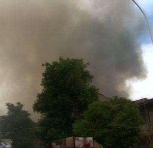 [T13 TARDE] Cuatro desaparecidos deja incendio en cité de Santiago Centro