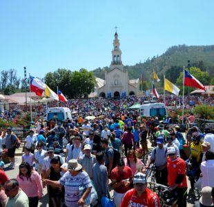 [T13] Muestras de fe y devoción marcan multitudinaria peregrinación a Lo Vásquez