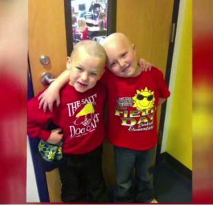[VIDEO] El conmovedor acto de un niño para apoyar a amigo con cáncer